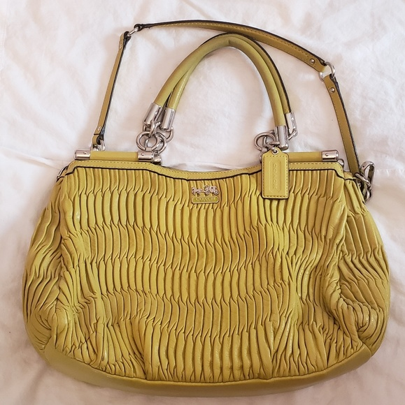 Coach Handbags - Coach gathered leather bag